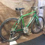 クロスバイクの代名詞とも言えるベストセラーモデル GIANT / ESCAPE R3 展示しています。